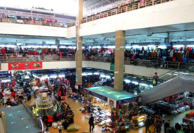 2日目昼:ドン・スアン市場で買い物を満喫しよう!