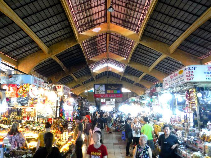 2日目朝:ホーチミン名物のベンタイン市場でお土産探し!