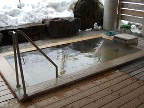 雪の積もりがハンパない!新潟・焼山温泉「清風館」のスコップ付き露天