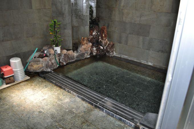 掛け流しの源泉風呂