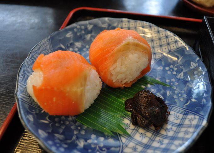 戸隠蕎麦とてまり寿司