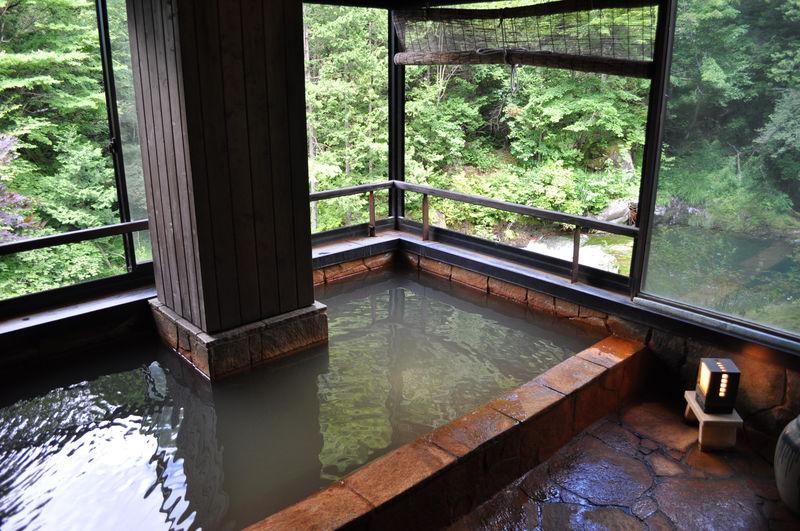 別天地での気軽な入浴!長野「明治温泉」で癒しの時間