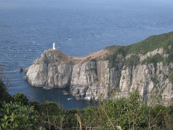 映画『悪人』にも登場した、五島屈指の景勝地に佇む「大瀬崎灯台」