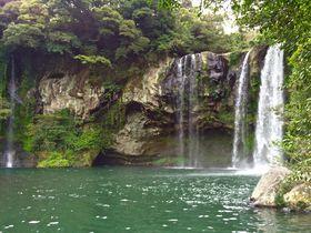 韓国・済州島最南端の港町「西帰浦」東洋随一の滝を見に行こう!
