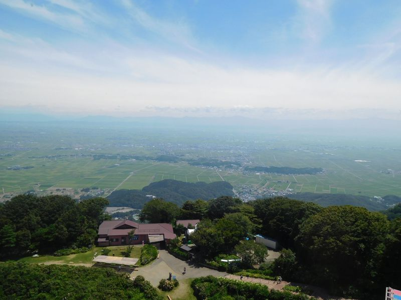 新潟・弥彦山「パノラマタワー」で体感する神様の視界