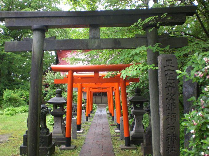 お城には様々な守り神が祀られて、ここには「与次郎稲荷」