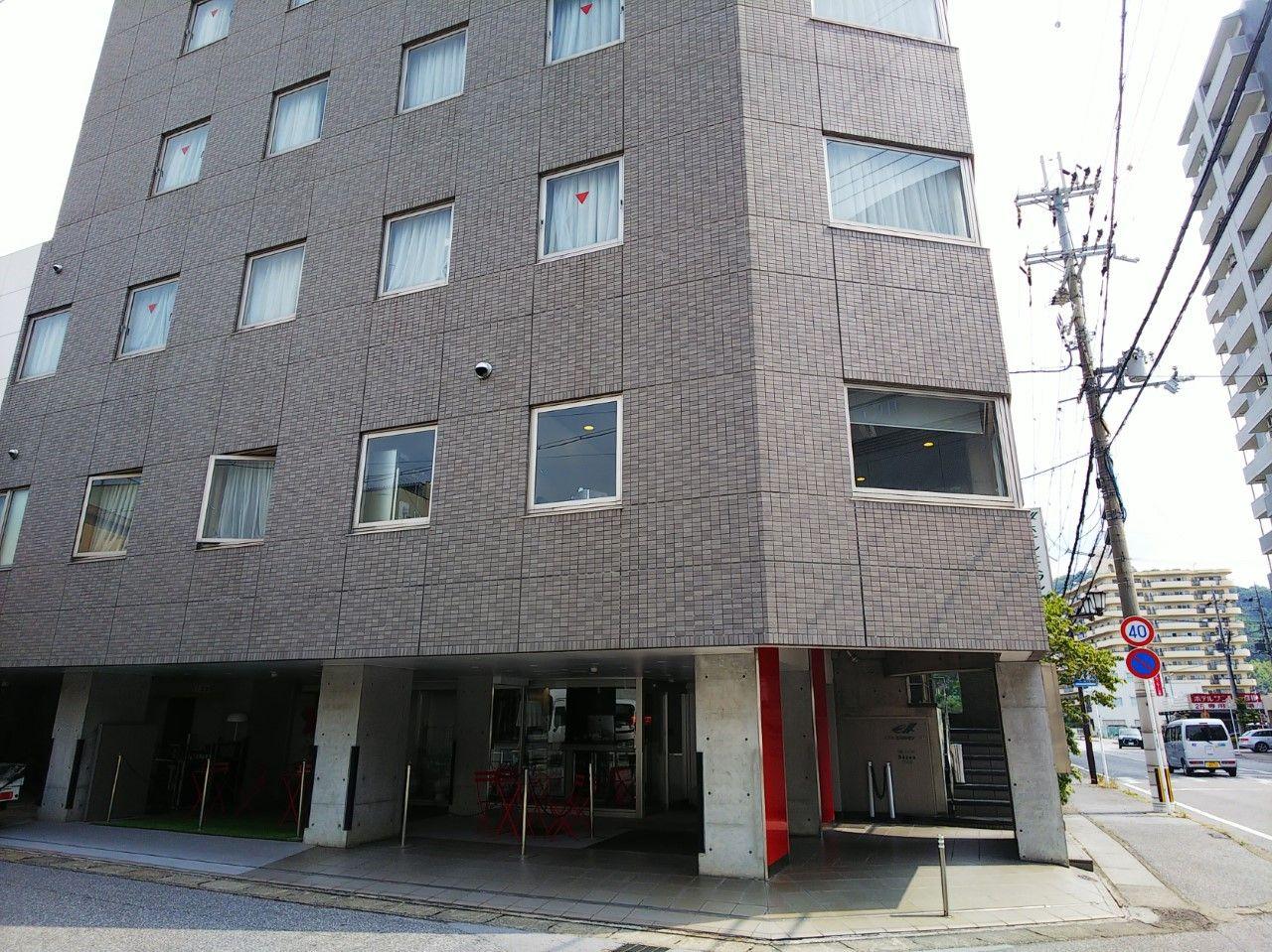 ホテルは駅から至近距離!彦根城に向かって歩いて5分
