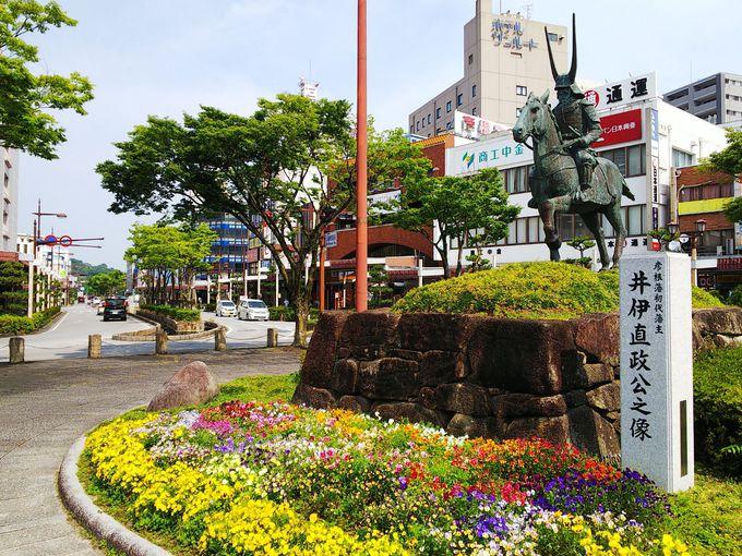 彦根駅前には戦国武将がお出迎え!歴史の重みを感じます