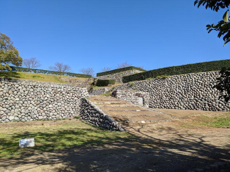 玉石石垣なんて初めて!?静岡県掛川市「横須賀城」は驚きの石垣