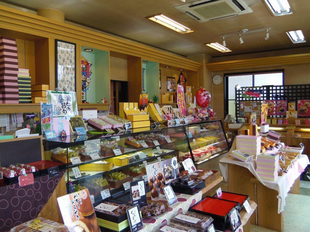「くずシャリ」以外にも美味しい和菓子・洋菓子が勢揃い