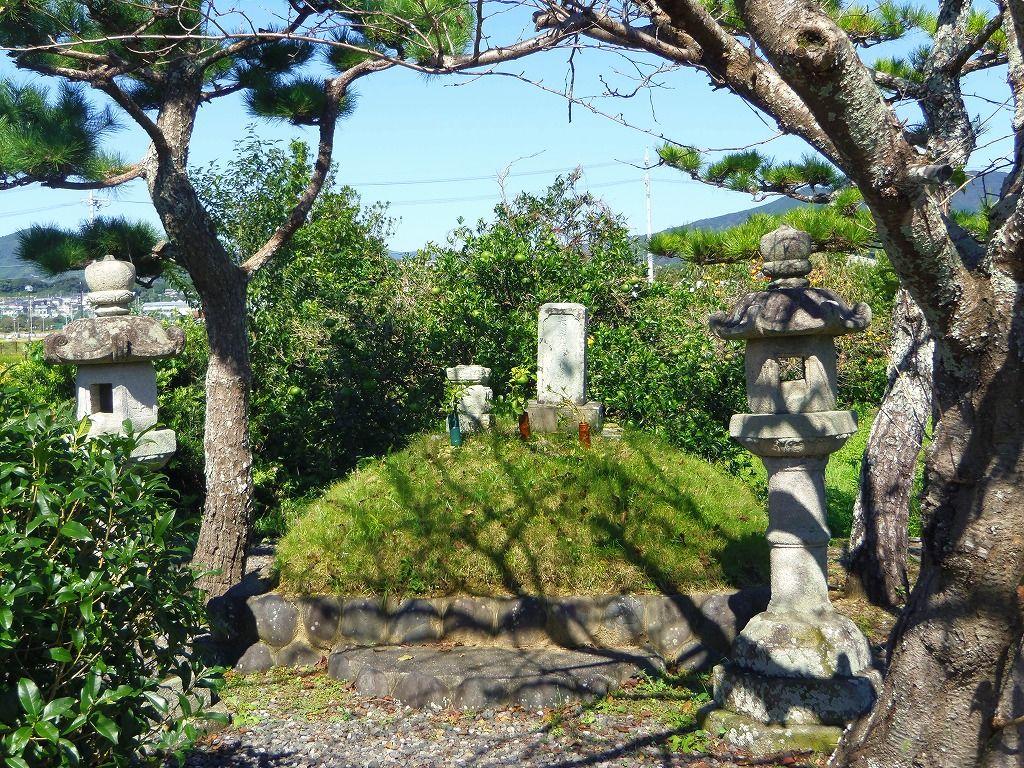 9.井伊直親の墓