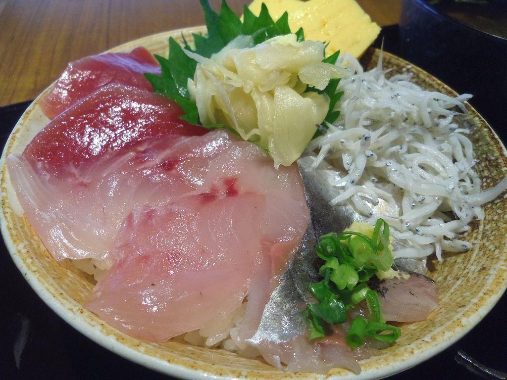 11:30〜 ランチは海鮮丼!名店「佐政」へ