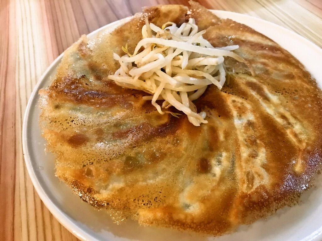 地元産の銘柄豚を使用、浜松餃子まるいし