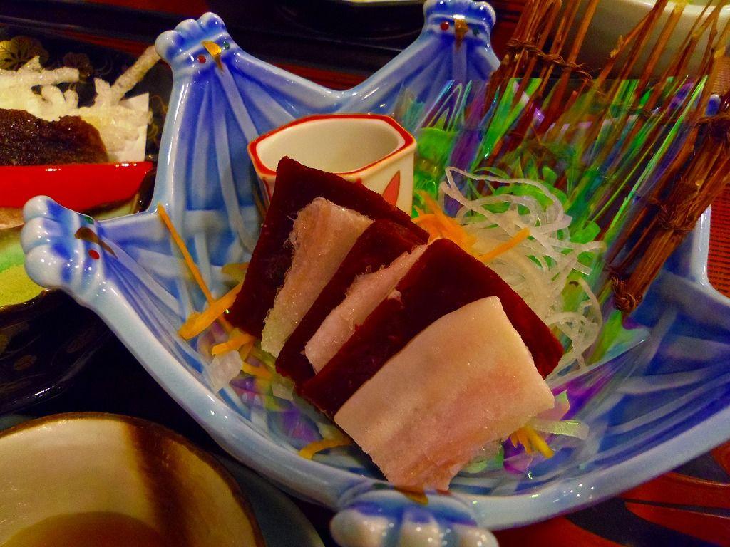 夕食は太地名物・鯨肉料理を満喫!