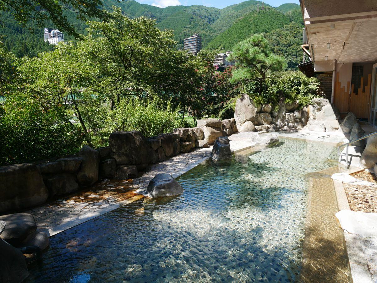 四季を感じる露天風呂!下呂温泉「望川館」で癒しのひとときを