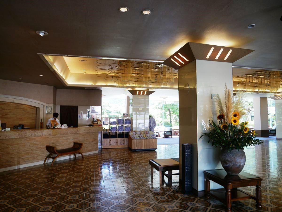 望川館は飛騨川を臨む老舗温泉旅館