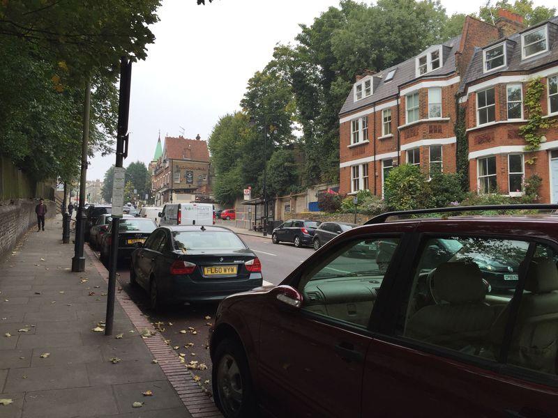 観光地の喧騒から離れて…ロンドン「ハムステッド・ヒース公園」で地元の人のように過ごす