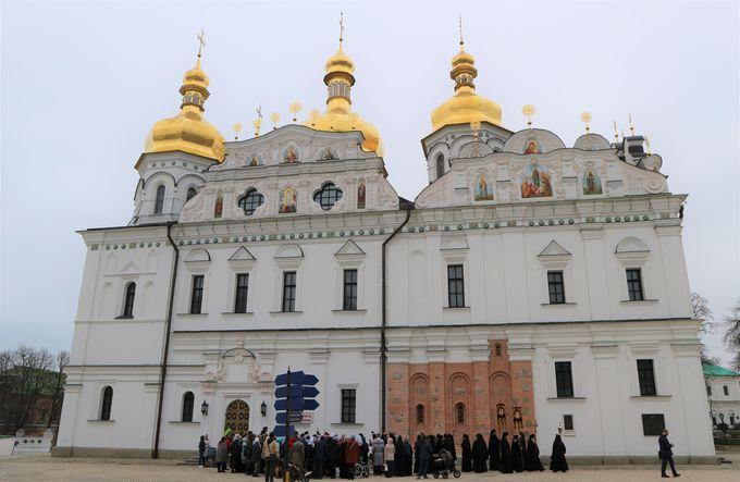 ロシア正教の総本山「ペチェルースカ大修道院」