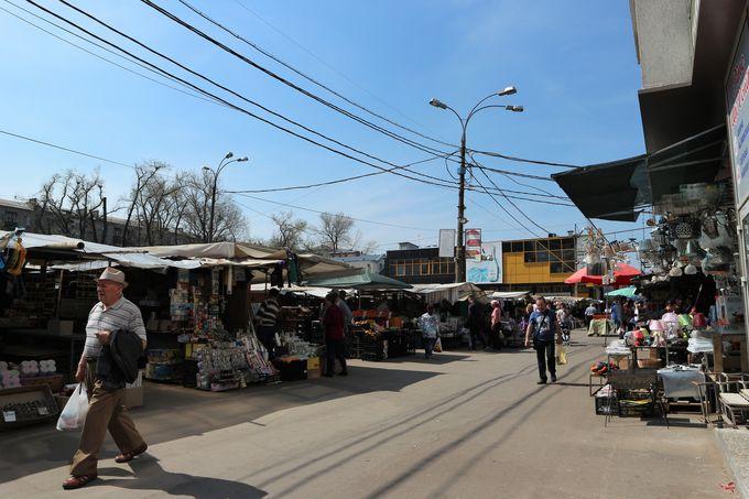 何でもそろう、キシナウの賑わいスポット「中央市場」