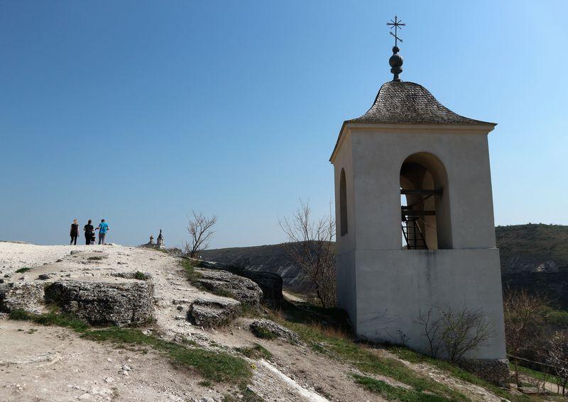 旧オルヘイ村で、モルドバ随一の大自然や隠れ家的な岩窟教会を満喫!