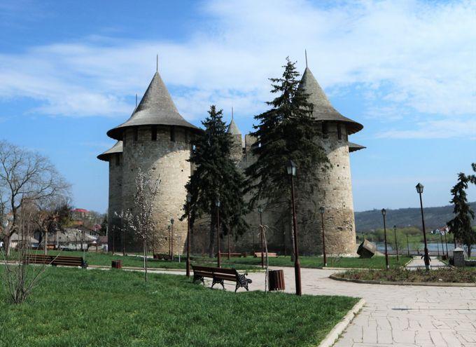 ソロカを象徴する石造りの城砦「Cetatea Soroca」