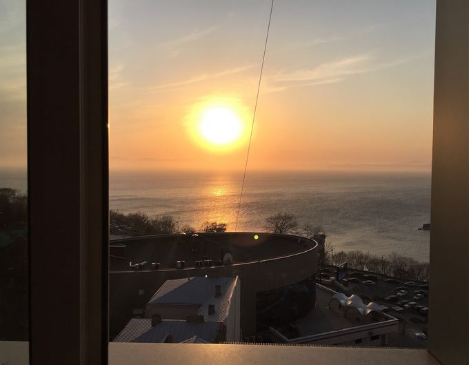 オーシャンビュー!日本海に夕日が沈む光景を