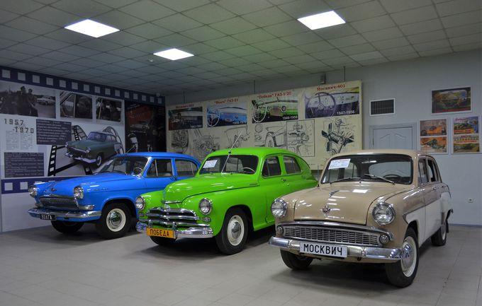 旧ソ連時代の自動車を展示する「クラシックカー博物館」