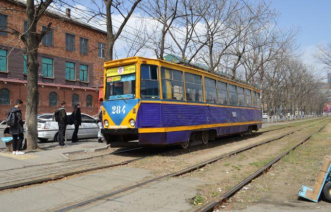 ウラジオストクの街を走る、旧ソ連時代の路面電車