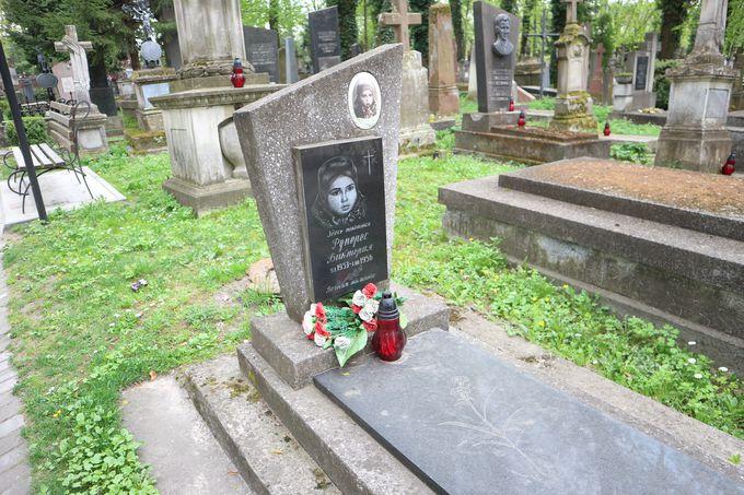 有名人のお墓以外も美しい