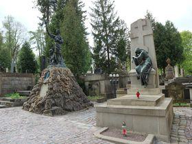 美しさと芸術性は東欧屈指!ウクライナ・リヴィウ「リチャキフ墓地」