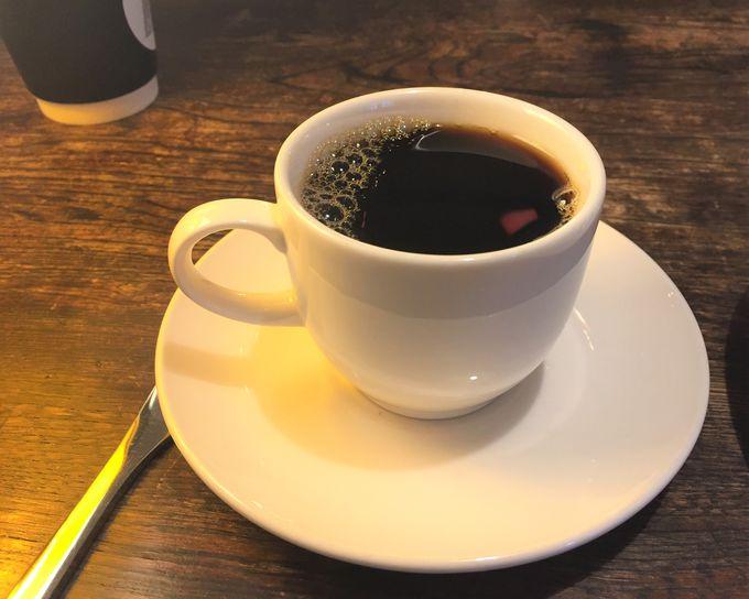 嬉しいウェルカムドリンクサービス!おしゃれなカフェ併設