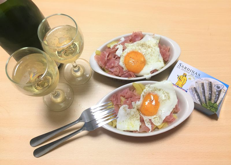 じゃがいもと生ハムと卵で!スペインバルの定番「ウエボスロトス」