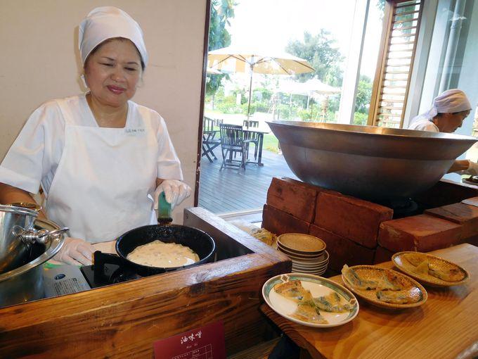 朝食にはおばあ手作りの沖縄料理を