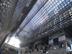 外国人観光客に大人気!日本人の知らない京都駅ビルの秘密とは?