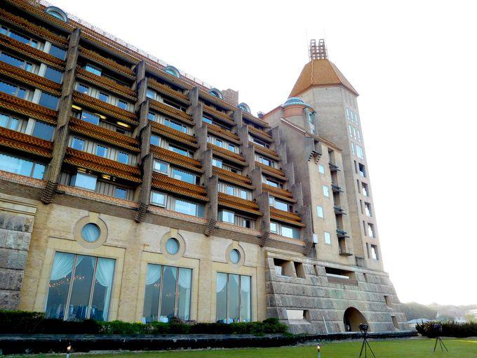 美しき古城ホテルはまさに「宿泊できるアート」