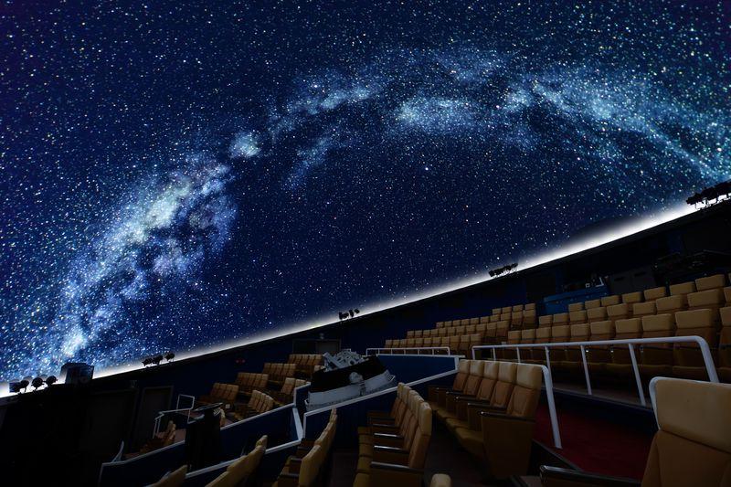 プラネタリウムで爆笑!?琵琶湖「デジタルスタードームほたる」