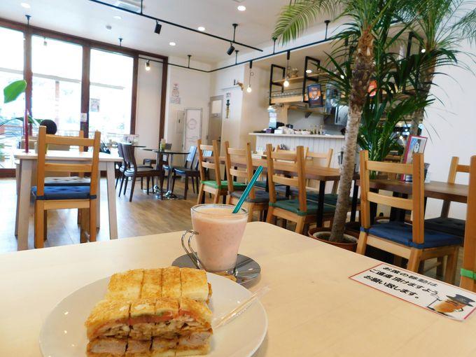 「Kagerou Cafe」には海辺のテラスも!