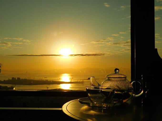 裏技:暖かいカフェでラグジュアリーな初日の出観測!