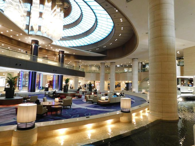 会場は神戸ポートピアホテルの「ダイニングカフェSOCO」