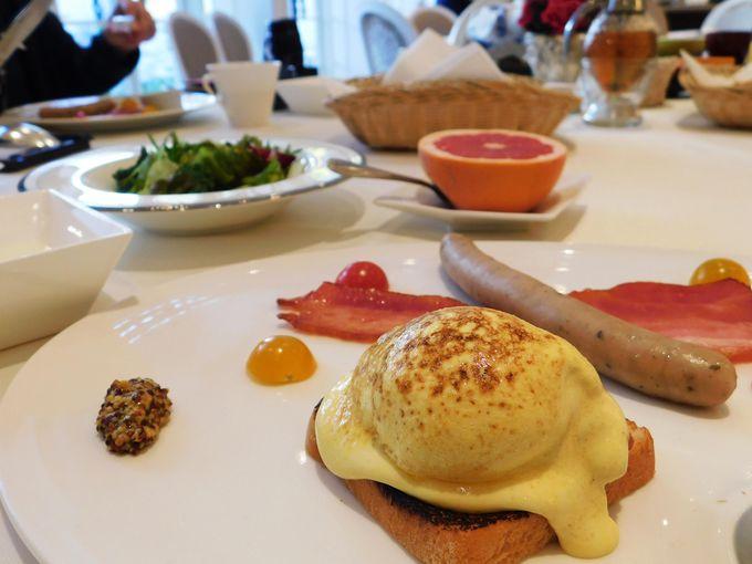 ホテルならではのエレガントな朝食を