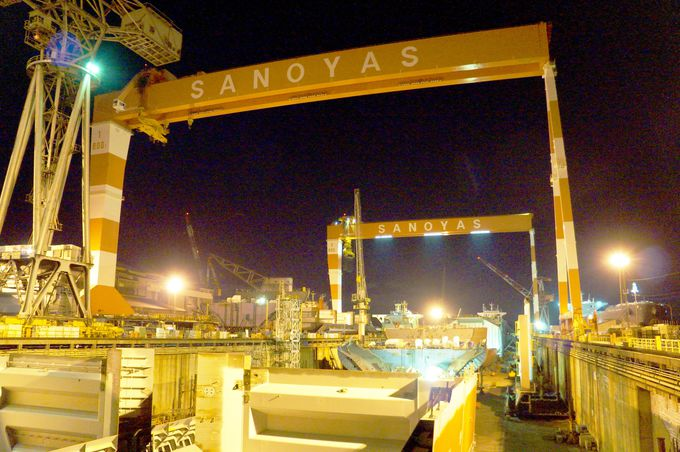 造り途中の巨大船も見学可能!