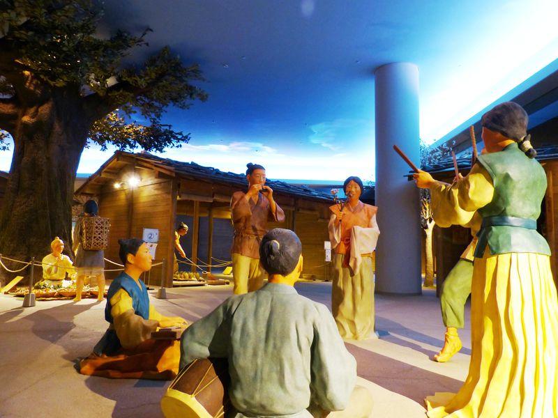 新元号「令和」の由来・万葉集の歌世界で遊ぶ!「奈良県立万葉文化館」