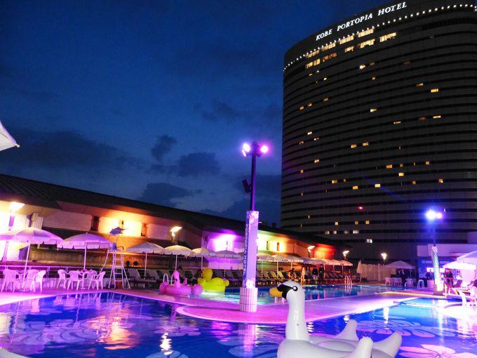 神戸ポートピアホテルにてナイトプール開催