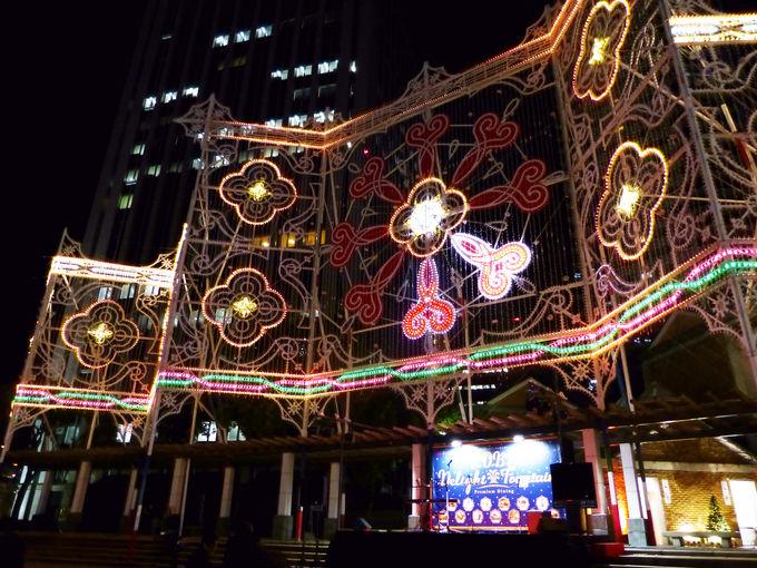 「KOBEディライト・ファウンテン」は神戸ルミナリエ会場内