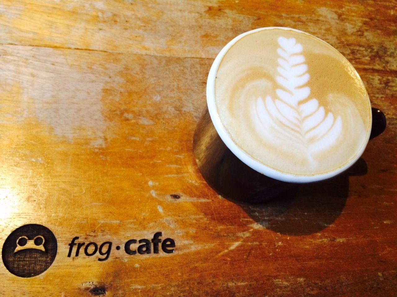 木の暖かさを感じてひと休憩〜frog・cafe〜