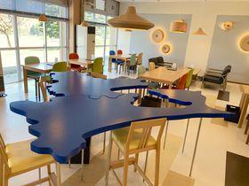 青森県型のテーブル!?県の魅力が詰まった「BUNACO CAFE」