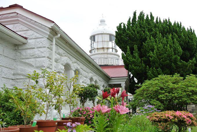 山陰最古のオシャレな灯台「美保関灯台」