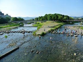 スタバも川床!癒しスポット満載の京都・鴨川をゆったり散歩