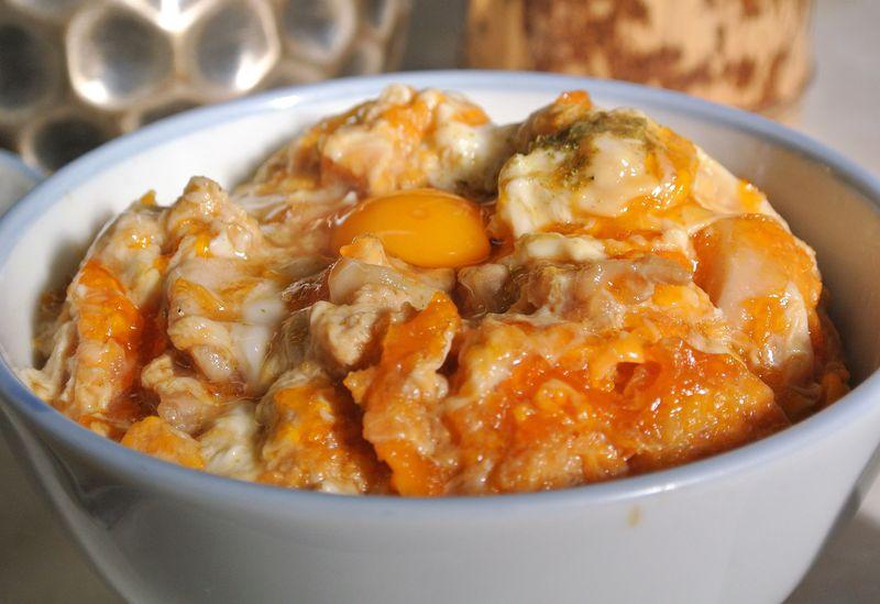 お昼限定のふわトロ親子丼は必食!京都「西陣鳥岩楼」