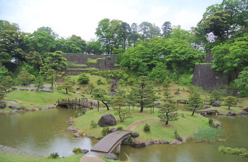 白亜のお城が眩しい「金沢城公園」の2つの必見スポット